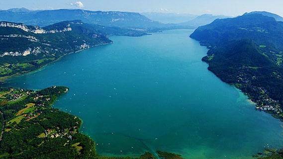 Repas au bord de l'eau du Lac du Bourget ou du Canal de Savières